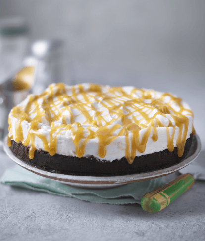 Vegan Vanilla Cheesecake with Salted Caramel Sauce