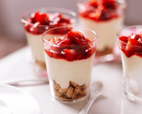 Low Fat Strawberry Cheesecake Pots