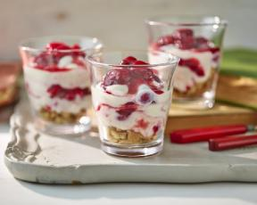 Low Fat Raspberry Cheesecake Pots