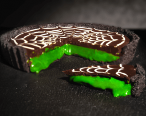 Halloween green slime caramel chocolate tart